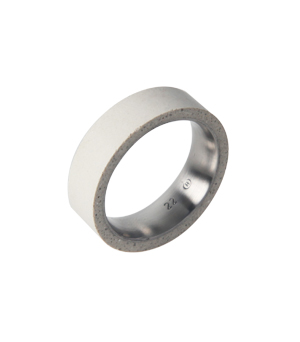 22 DESIGN STUDIO Concrete Ring - Tube Thin White